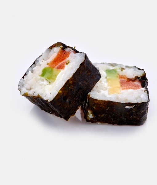 futomaki salmon, queso crema y aguacate2