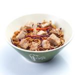 Yakisoba con pollo y verduras