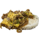Oyakodon: Bol de arroz con pollo, huevo, cebolleta y salsa