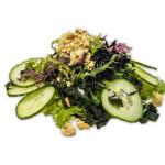 Ensalada de kaiso wakame, pepino y frutos secos