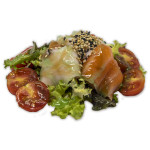 Ensalada sakana: Pescado marinado y tomate cherry