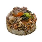 Kaisen don zukedon: Salmón, atún rojo y hamachi (pez limón) un poco picantes, y huevas de tobiko