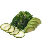 Ensalada vegana de goma wakame, aguacate y pepino