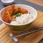 Korokke katsu kare, arroz con curry japonés un poco picante con croquetas de calabaza y verdura