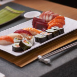 Variado 16 piezas + 200 g de sashimi variado
